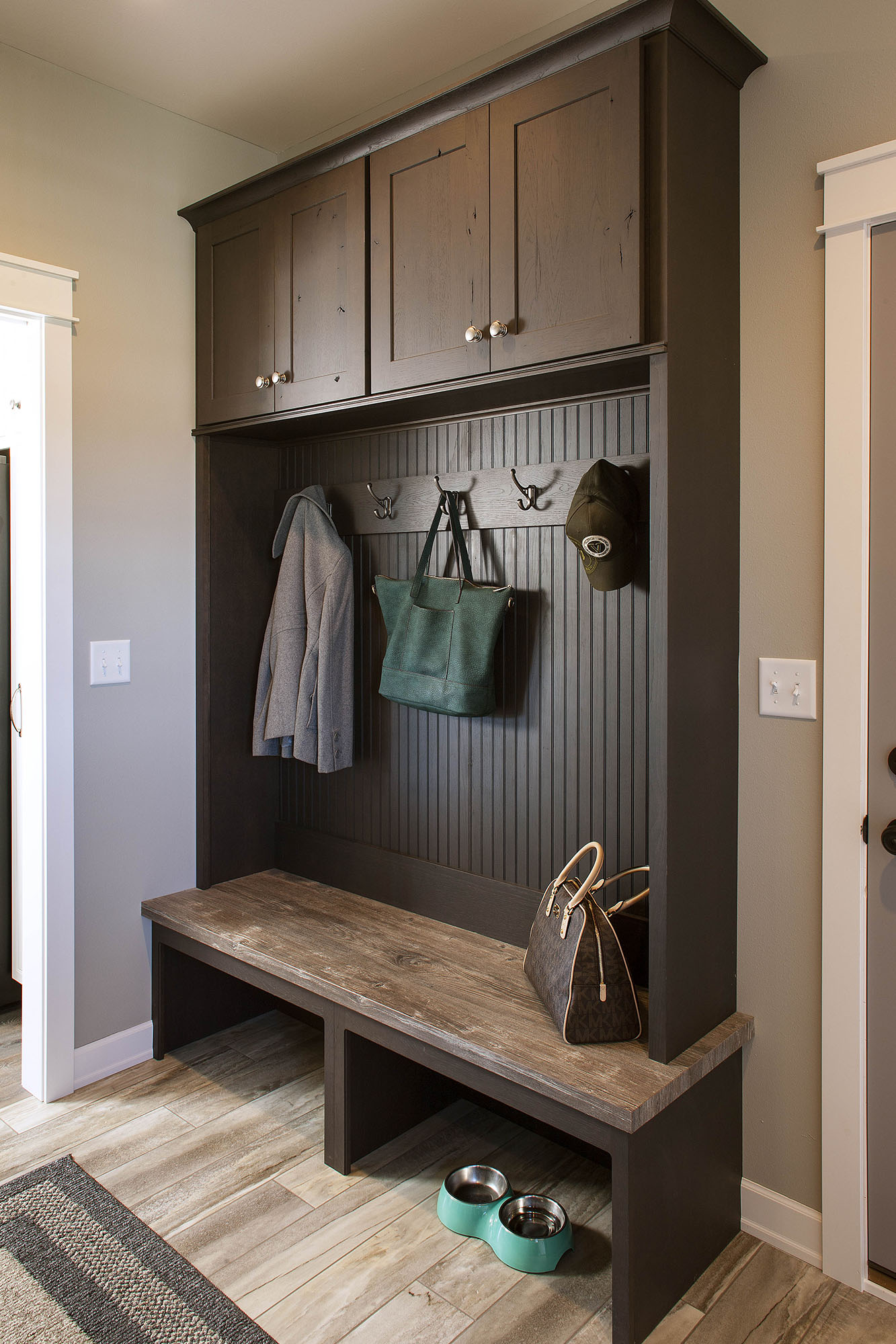 Stained mudroom locker in Peppercorn