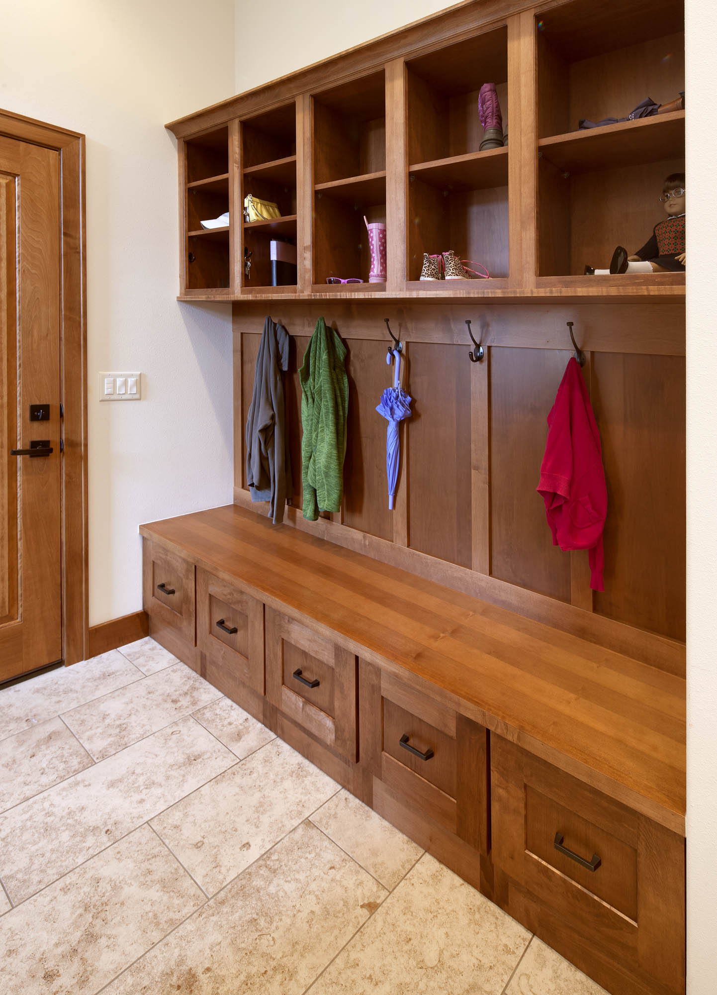 Stained mudroom locker in Autumn/Maple