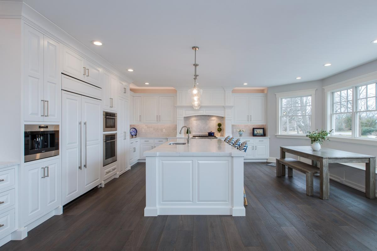 Painted Kitchen Cabinets in White